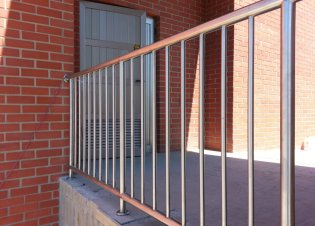 Stainless fencing (2)
